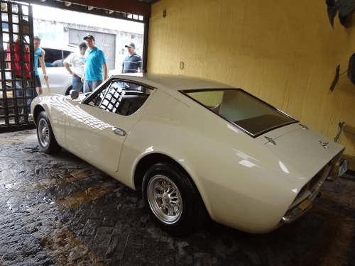 Voitures classiques du Brésil: Puma GTE, VW SP2, Kombi T1